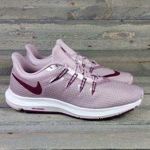 New Women's Nike Quest Com Running Shoe size 8